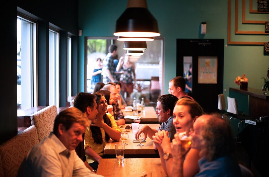 Restaurants have great potential, but what should you know? This guide explains what you need to know before opening a restaurant.