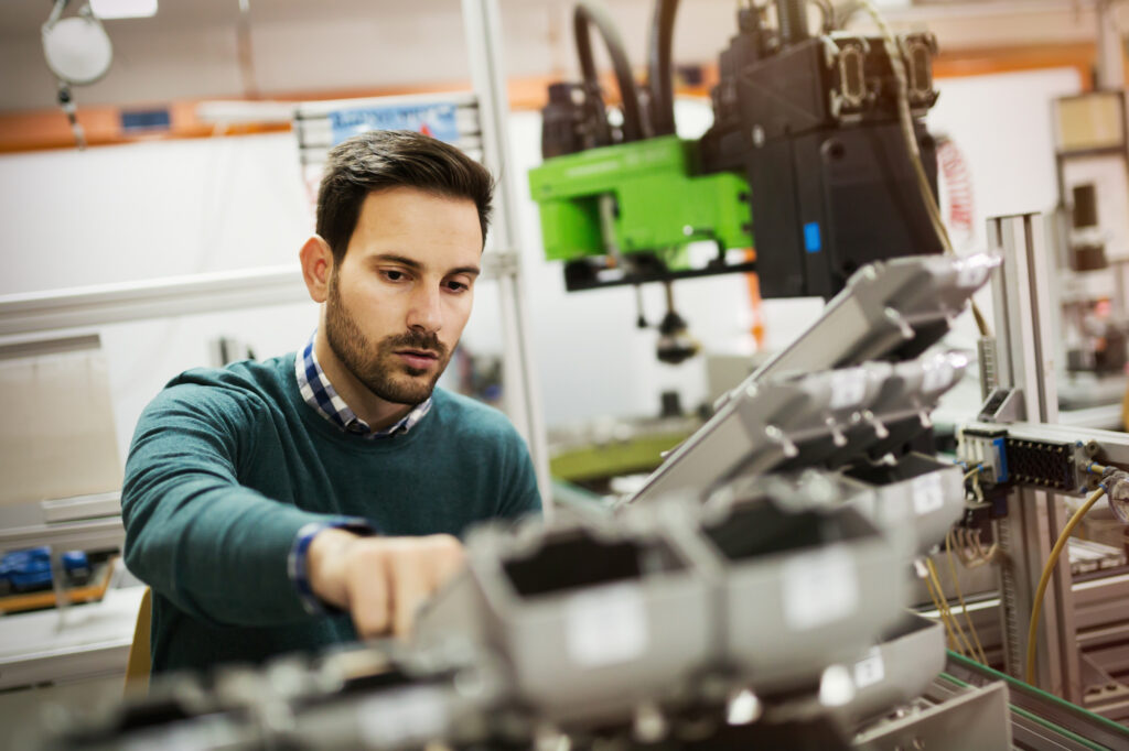 Finding the right contractor for your engineering project requires knowing your options. Here are factors to consider when hiring contract engineers.